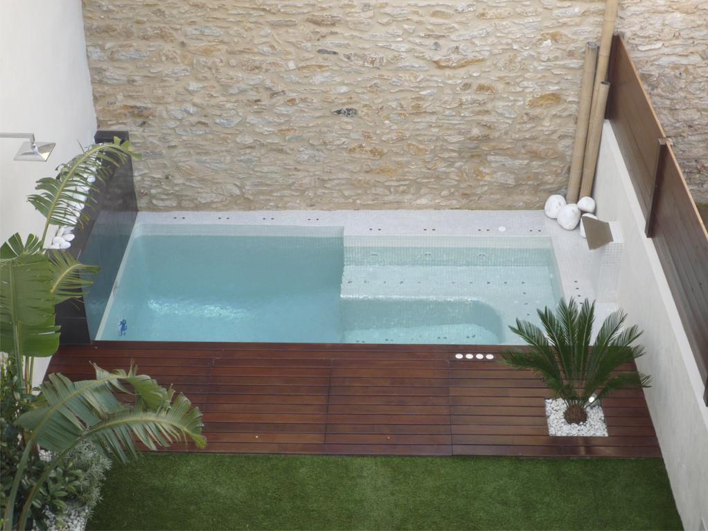 Diseño de jardines integrales en Girona. Jardín integral con piscina-jacuzzi